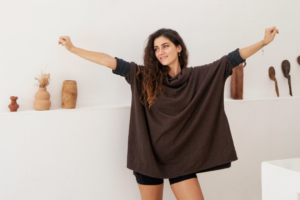 Oversize modal two-tone tobacco and brown cowl